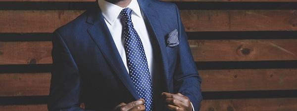 Gravata é acessório que atrai atenção e pode ajudar imagem profissional - Cópia