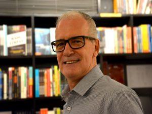 Marco Ornellas é coach, membro da ICF – International Coaching Federation, e consultor em desenvolvimento organizacional com foco em RH